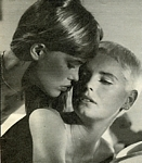 b/w from Sotto movie in bed with blonde - ital. intrepido SPORT 22.09.87 #38