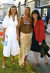 danish KIG IND 11. Aug. 2004 - with her 2 girlfriends at munthe show Holmen